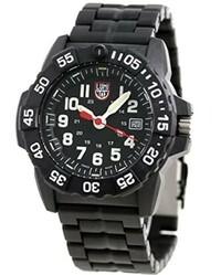 ルミノックスの腕時計の電池交換を自分でやったらどうなりますか。 ルミノックスの腕時計を買おうかと考えていました。 ボタン電池(アルカリボタン電池1とかよく書いてありますけどなんのことでしょう)がエネルギー源タイプのものを買おうかと考えました。 電池寿命が来たら電池を自分で替えられるでしょうか。 もしかして、自分で電池交換をすると、ガスが抜けて、自慢の明るい文字盤と針が暗くなって しま...
