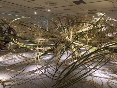 この竹の曲げは、どうしているのでしょうか。 お手数ですが、ご回答頂けると嬉しいです。 宜しくお願い致します。