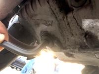 ドカティ ムルティストラーダ1000DS(Ducati Multistrada 1000DS)のオイル交換  全国の工具マニア、ドカティヲタクの皆さん教えてください。オイル交換に必要な工具。 先日、オイル交換したくエンジン下をのぞ...