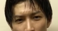 Snow Manの渡辺翔太さんは涙袋プチ整形ですか? 何もしてなくて真顔でこんなに涙袋ブクブクになりますか?翔太くんを見たら涙袋が大きくていつも気になってしまいます。