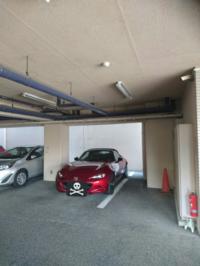 青空駐車場より こういう駐車場の方が、車の劣化はマシでしょうか?  本当は個人ガレージが良いのは分かりますが…