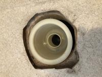 洗濯機の防水パンについて  洗濯機の防水パンが割れたので交換したいです!  【質問】 既存のストラップの円径と同じ径の防水パンを購入すれば、どこのメーカーの物でも取り付け出来ますか ?  【状況】 ...