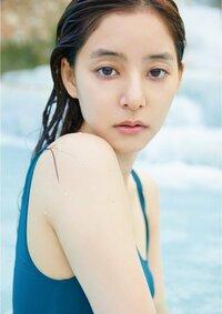 新木優子は、よく見ると「あれ?」って感じませんか。 魚みたいな顔で、雰囲気美人ですか?