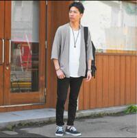 初デート ファッション コロナ 静岡市で、5/7から飲食店が自粛解除になったので、今度の日曜日にマッチングアプリで知り合った32歳の女性と焼肉デートします。   服装は黒スキニー、スニーカー 白のビックサイズ...