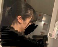 横ハゲ(M字はげ)に悩んでいます。 ポニーテールをすると特に目立っている気がして人の目ばかりきにしてしまいます。   これは、目立っていますか?