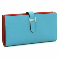 写真のようなバイカラーの財布はアリですか、ナシですか?値段は単色と同じでした、もっと落ち着いた色にするつもりです!
