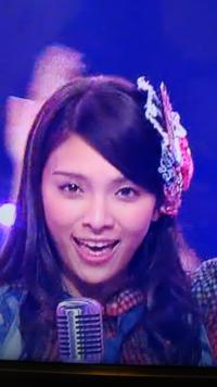 AKB48で  ヘビーローテーション踊ってる  ↓この人わかりますか?? 【名前教えてください!!】