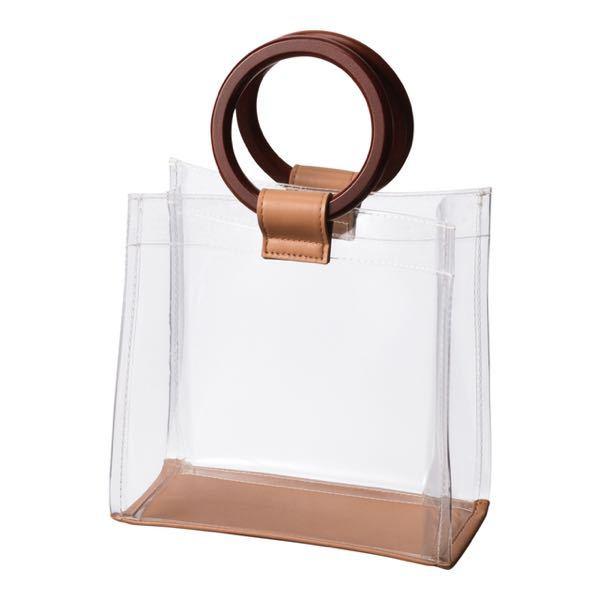 先日、載せている画像のクリアバッグを購入したのですが、持ち物全てルイヴィトンだとおかしいでしょうか? 因みに ポーチ、財布、キーケース、ICカードケース です! そのまま入れるのではなく、巾着袋などに入れるほうがいいでしょうか?