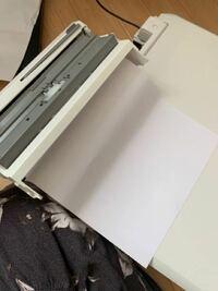 エプソンのプリンターEP-808AWの紙詰まりで困っています。 スマホからWi-Fiで印刷すると必ず紙詰まりして印刷できません。 コピー機能もだめです。  プリンターのお手入れ機能でノズルチェックなどをする際はきち...