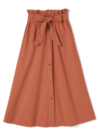 このスカートはイエベ春向きですか?秋向きですか? 私はイエベ秋で、このスカートが可愛いなと思ったのですが、やはりこの色はイエベ春に似合う色ですか?それともブルベ…?