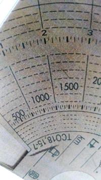 タコグラフの、500、1000、1500等の数字は何の数字でしょうか?
