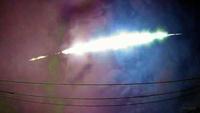 先月の6月4日に発生した 横須賀市内(三浦半島)の異臭騒ぎと そして6月17日の朝早に 福島県・宮城県で目撃情報が寄せられた、 「謎の白い 球体」騒ぎと 今日、関東上空で目撃された 巨大な流れ星(火...