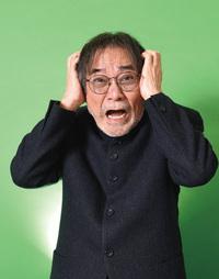 稲川淳二さんは幽霊、信じてないですね?  目が笑っています。