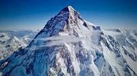 登山家と登山団体にお聞きします。  K2の冬季登頂は未だに成功していません。  ぜひチャレンジして成功させて登山歴史に名前を残されたらいかがですか。  v^-^