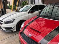 A45 AMG と MINI ジョンクーパーワークスです。 我が家は、車大好き家族です。  どう思いますか?