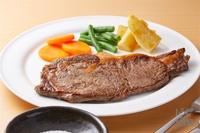 ステーキの脇に添えられてる野菜類って残さず食べる人? (^。^)b