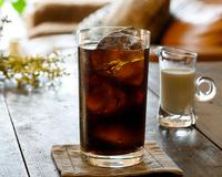 アイスコーヒーにミルクとガムシロは入れますか? (^。^)b