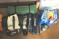 5.11 rush24 このバックパックをキャンプに使用している方いましたらよろしくお願いします。  24時間の任務?を想定して作られたものだと思いますが、1泊2日のキャンプに使用は出来るでしょうか? テントなど、ソロキャンに必要なものを入れます。 コットは使用しないつもりです。 IKEAの袋は炭なので気にしないでください。 また、真ん中二つの黒色の袋は机と椅子で、地べたスタイルを検討してい...