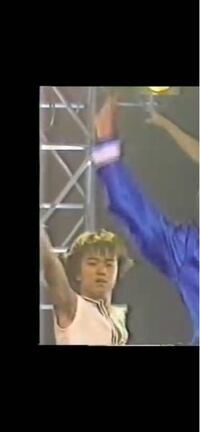 【 全盛期ジャニーズjr.の名前/1998/5月ごろ 】 kinki kids の、ジェットコースターロマンスの、バックで踊っていたJrです。なんて言う子でしょう?  一緒に小原ゆうきくんや、大坂俊介くんもいたので、Jrが、おそらく1番盛り上がっていた頃の、メンバーだと思います。(o^^o)