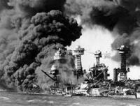 空母や軍艦は燃料で動いているのに、その燃料を攻撃しないのはなぜですか。  真珠湾攻撃の時にハワイには米軍の1年以上の艦船燃料が蓄えてありました。 それを攻撃目標にしないで軍艦ばかり狙うのは何故ですか...