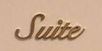 フォントに詳しい方に質問です。 この画像のフォントはなんというフォントですか? それか近いフォントご存知の方いたら教えていただきたいです