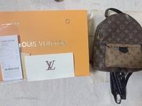 ネットで購入したのですが、このヴィトンのバッグや箱って本物ですか??  正規品とは書いてありましたが、 本当に正規品か不安で。。。