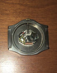 こちらの腕時計のオシドリの位置がわかる方いらっしゃいますか?
