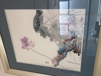 こちらの刺繍絵画の作家さんが解る方がいらしたら教えていただきたいです。 併せて、似たような作品を日本で購入出来る術があるかも知りたいです。 ベトナム刺繍のような派手な色合いのものではなく、画像のよう...