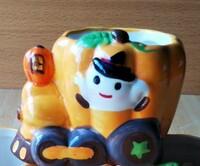 ケーキ屋さんによくあるプリンなどが入ってるデザートカップなのですが、この写真のように、汽車のハロウィンカップを探しているのですが、 誰かどこのケーキ屋さんにあるか知ってる人いましたら教えてもらえませ...