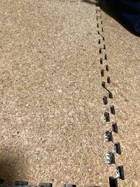 クッションフロアっていう床は色の移りがすごいと聞いたのですが、写真みたいなやつを敷いてもやはり色は移りますか?
