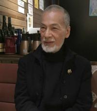 """日本の俳優とか、あれだけテレビドラマや映画に出演していても、80歳になって7万円のアパート暮らしなんですね。日本の芸能界ってお粗末な世界だと思いませんか? 藤木孝さん自殺報道…""""終の棲家""""は家賃7万円の木..."""