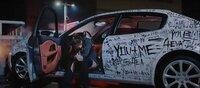 【車種教えてください】 BLACKPINKのlovesickgirlsMVで登場するジェニーが乗っていたこの車の車種を教えてください!!詳しい方よろしくお願いします!!画像の車です!