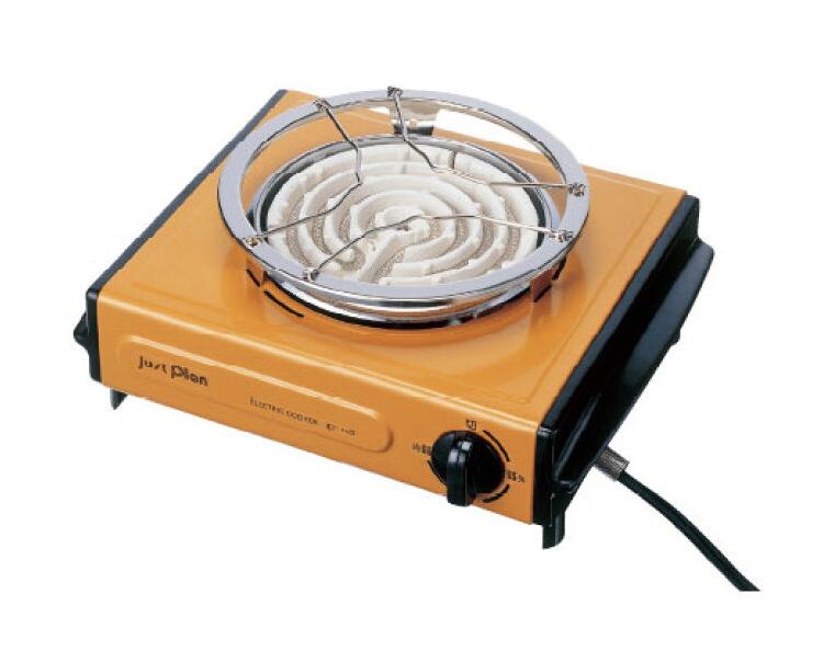 写真のような電気コンロでどら焼きを焼きたいです。この上に何を乗せて焼いたらきれいに焼けるでしょうか。フライパン?鉄板みたいなもの? 素材は関係ありますか。
