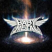 BABYMETALは メタルとカワイイとキワモノの境目にいる辺りが 最高にいいと思います。 サードアルバムの『METAL GALAXY』は ゴリゴリのMETALに寄ったセカンドより 初期の頃の何でもありな雰囲気になってて 楽しす...