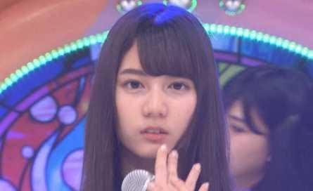 日向坂46の小坂菜緒さん、可愛いとは思いますが鼻の骨に違和感があります。 私だけでしょうか?
