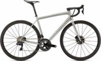 レーサーの自転車に200万円払うメリットはナニでしょうか?金持ちの道楽は(除く)