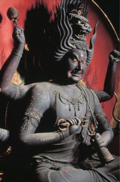 愛染明王像についてです。 収蔵(都道府県)、作成期、材料、頭についている龍の名所(何のためについているのか)教えていただけると嬉しいです!
