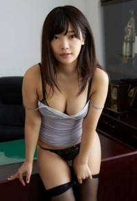 画像の女性の名前を教えて下さい<m(__)m>