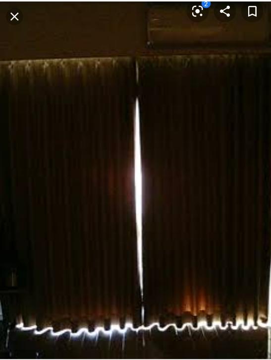 昼間、遮光カーテン1級レベルでも、この様に外からの光漏れがあると直射日光でなくても日焼けしてしまいますか? ※画像は例えで拾い画です 真昼間、遮光1級カーテンをして電気消してすぐは 暗く感じますが、しばらくして目が慣れてくると部屋全体がだいぶ明るくて、白い壁や家具に光が反射して紫外線を全身に受けてる感じがして不安です…
