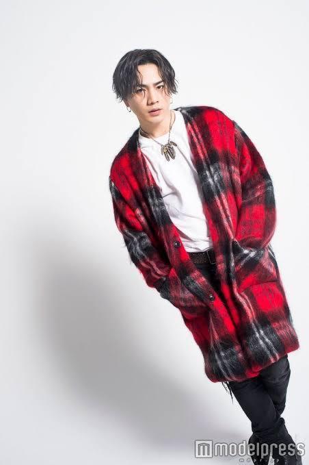 登坂広臣さんみたいなファッションはどの系そうのファッションに入るのでしょうか? EXILEやち...