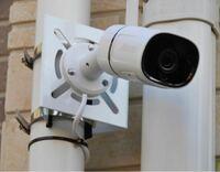 防犯カメラを雨樋にステンレスバンドで取り付け台にて取り付ける予定(カメラ470g)です(参考写真のように)雨樋の強度は大丈夫でしょうか?