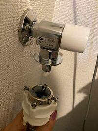 洗濯機の給水ホースの付け方がわかりません… 誰か教えてください。