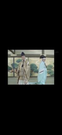 烏帽子・大紋について 教えて下さい。  鎌倉時代以降から戦国期も、 結構御家人・武士〜、 大名などが着ている描写や、 毛利元就の肖像画などもありますが、  江戸時代になると、五位以上でないと 着るこ...