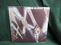 【時代の記憶の引き出しを開けてみてごらん】今宵はお酒を飲みながら…(^^♪ 『覚えてますか?』 (Herb Alpert、1935年3月31日 - )は、アメリカのトランペット奏者 ヴォーカル曲とインストゥルメンタル曲の両方で...