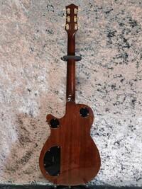 ビートルズ・ジョージハリスンが使っていたグレッチギターのデュオ・ジェットに関する質問です。 三つありますがご回答は一つだけでもかまいません。  ①いつ頃から日本で製造されるようになったのでしょうか。  ②中古品でヘッドの裏側に MADE IN JAPAN の刻印がないものはアメリカ製と判断していいのでしょうか。  ③日本製のペグは古いものも現行のものもオープンバックのようですが、中古品でカバ...