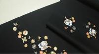 名古屋帯の着物合わせについて 大島紬と小紋の着物に合わせてたいと思っています。名古屋帯はお太鼓柄で黒地です。 気に入っているのですが、知識がないので購入する前に教えて頂きたいと思って います。 季節など冬限定されるのでしょうか?どうぞよろしくお願いいたします
