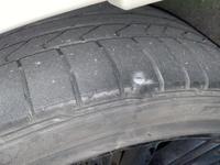 タイヤのパンク修理について。この場所の釘は修理可能ですか?  トレッドとショルダーの境目のような気がします。。
