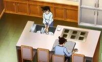 名探偵コナンに出てくる工藤新一の家の画像です。 蘭が洗い物をしている横の6つの穴のような物はなんですか?コンロ?