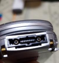 昔のガラケー、j-sa51です。 このタイプの充電器を探しています。 メルカリやAmazonで探していますが、該当しているかどうか見極めが出来ません。 どういったタイプを探せば良いか教えてください。