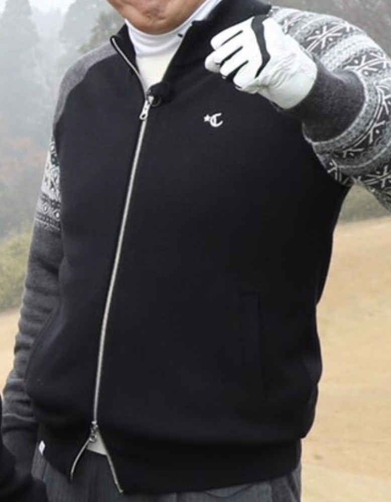 この洋服のブランドがわかりません。 とんねるずのスポーツ王は俺だ!のゴルフコーナーでタカさんが着ていました。 どんなに調べても分からなかったので教えていただきたいです。